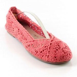 American Eagle Cute Crochet Slip On Shoes Flats